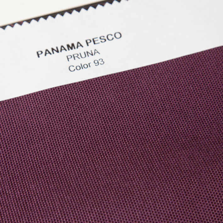 AVA Basic Bed cover Plum square 22x22cm